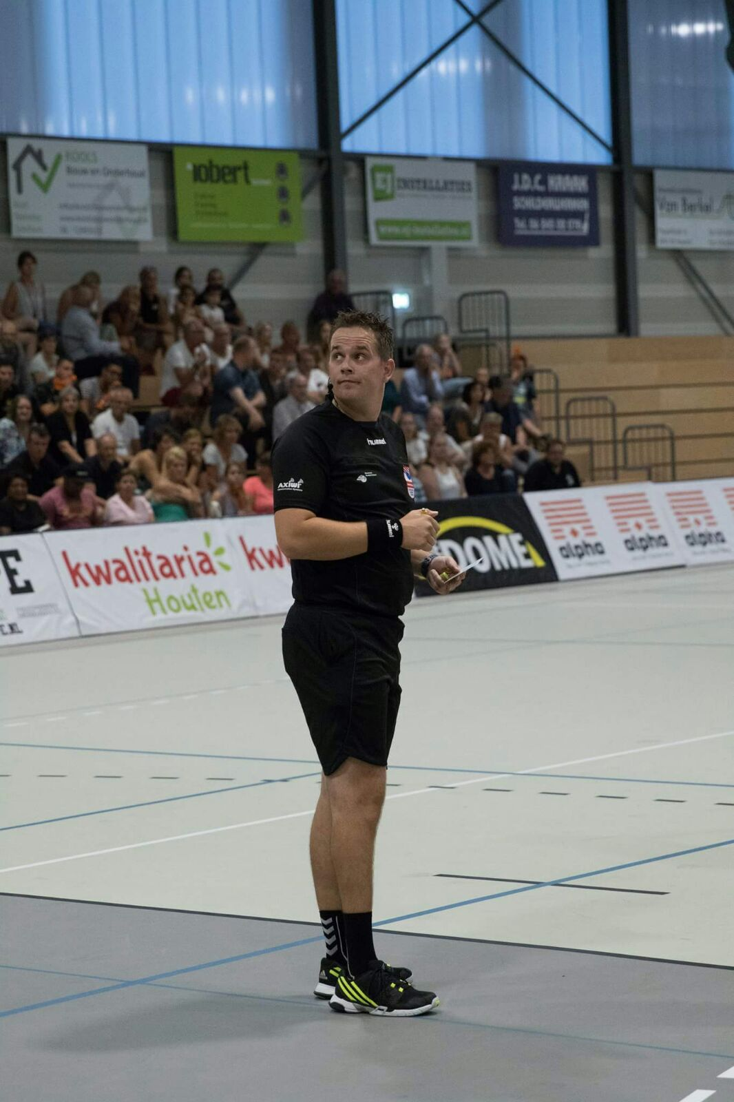 /wireless-communication-system-handball-referee-axiwi