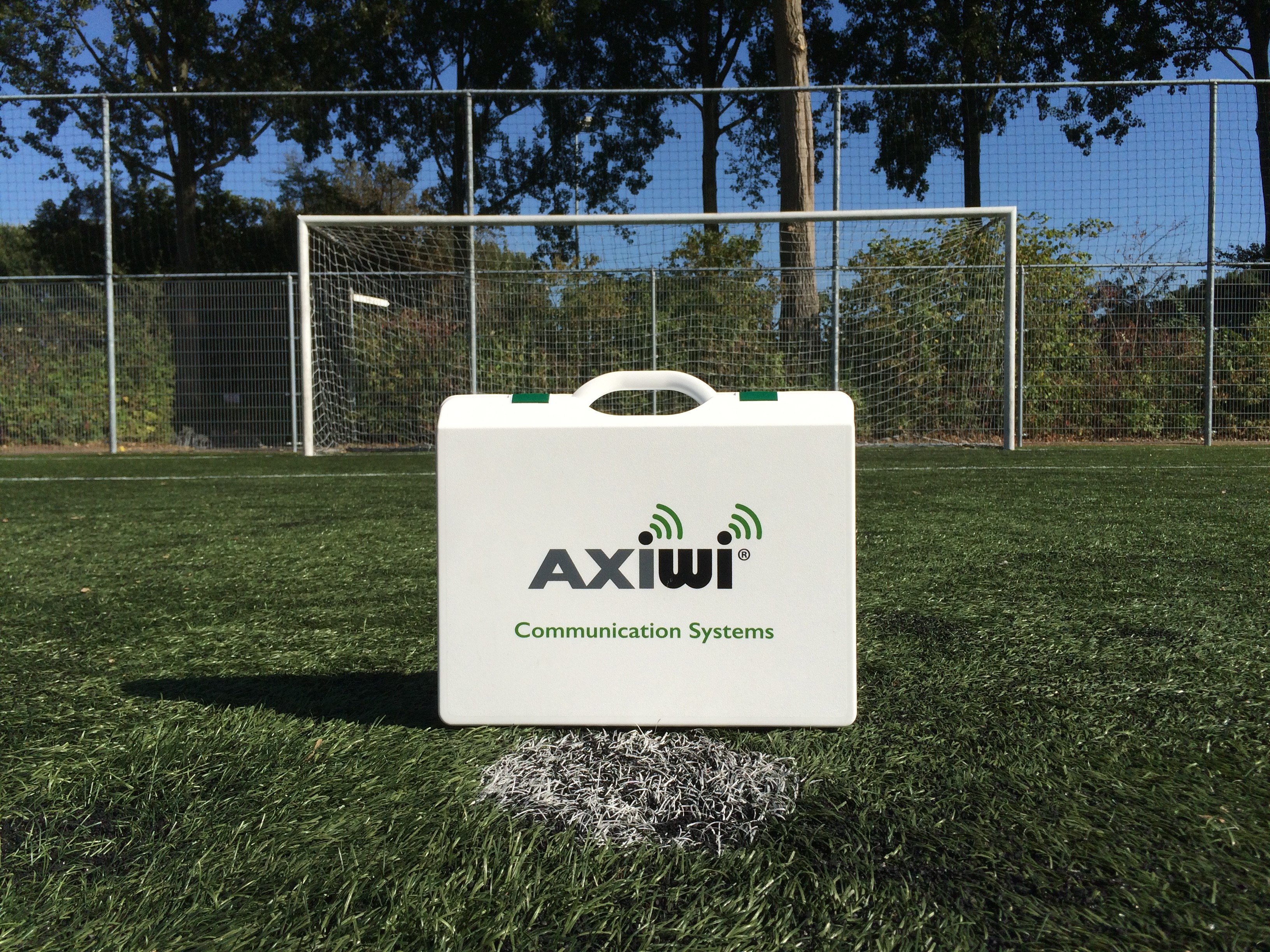 /wireless-communication-system-soccer-referee-axiwi-2